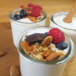 Cómo hacer yogur vegano de almendras