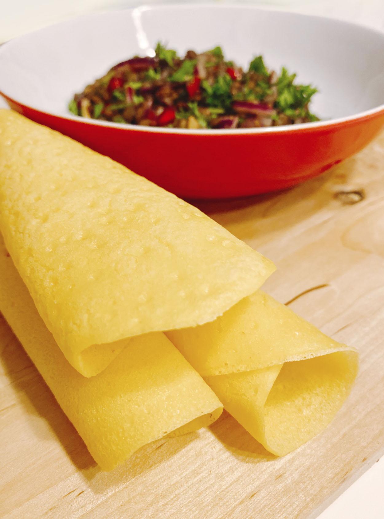 Ceviche vegano con crepes de maíz